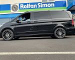 Mercedes V-Klasse mit Carmani 17 Fritz black polish in 20Zoll