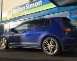 VW Golf VII R mit Alutec Ikenu metal grey in 18 Zoll
